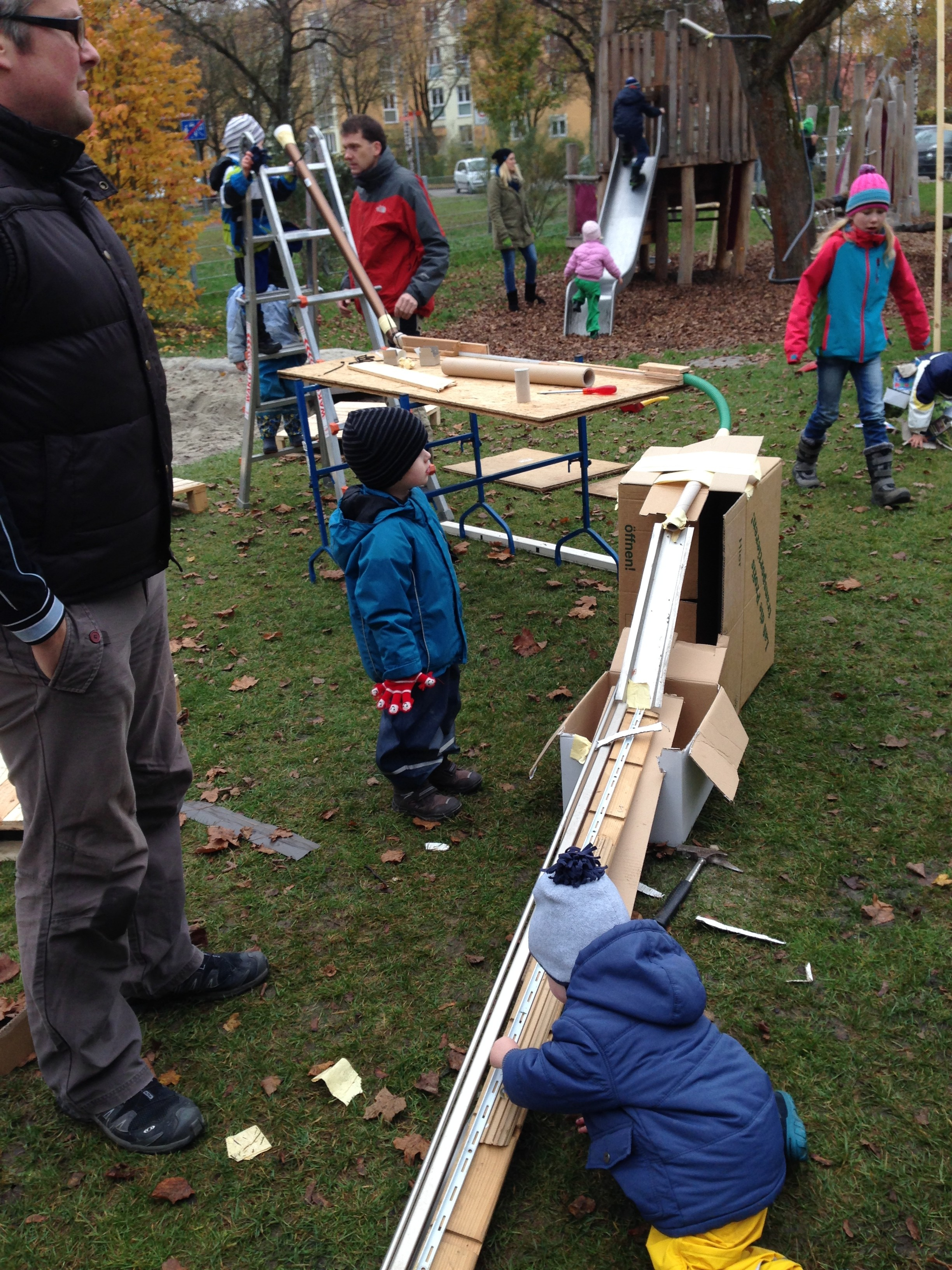 kreativer murmelbahn vormittag kinderspielraum e v dachau. Black Bedroom Furniture Sets. Home Design Ideas